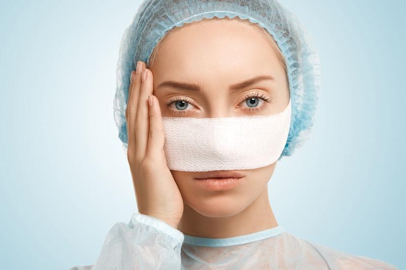 鼻筋を施術